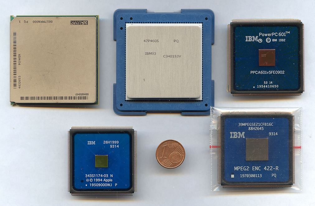 c0b0f3d3b5111 Esempi di processori sviluppati e fabbricati da IBM nei propri stabilimenti.